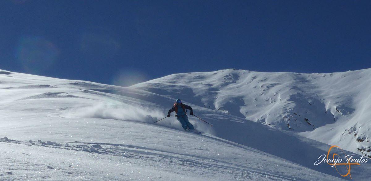 """P1200436 - Noviembre empieza con """"powder"""" en Cerler."""