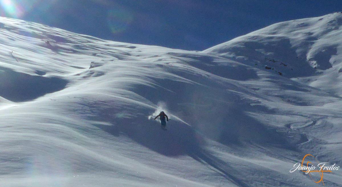 """P1200446 - Noviembre empieza con """"powder"""" en Cerler."""