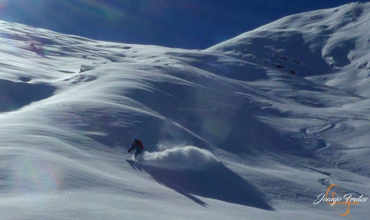 """P1200447 - Noviembre empieza con """"powder"""" en Cerler."""