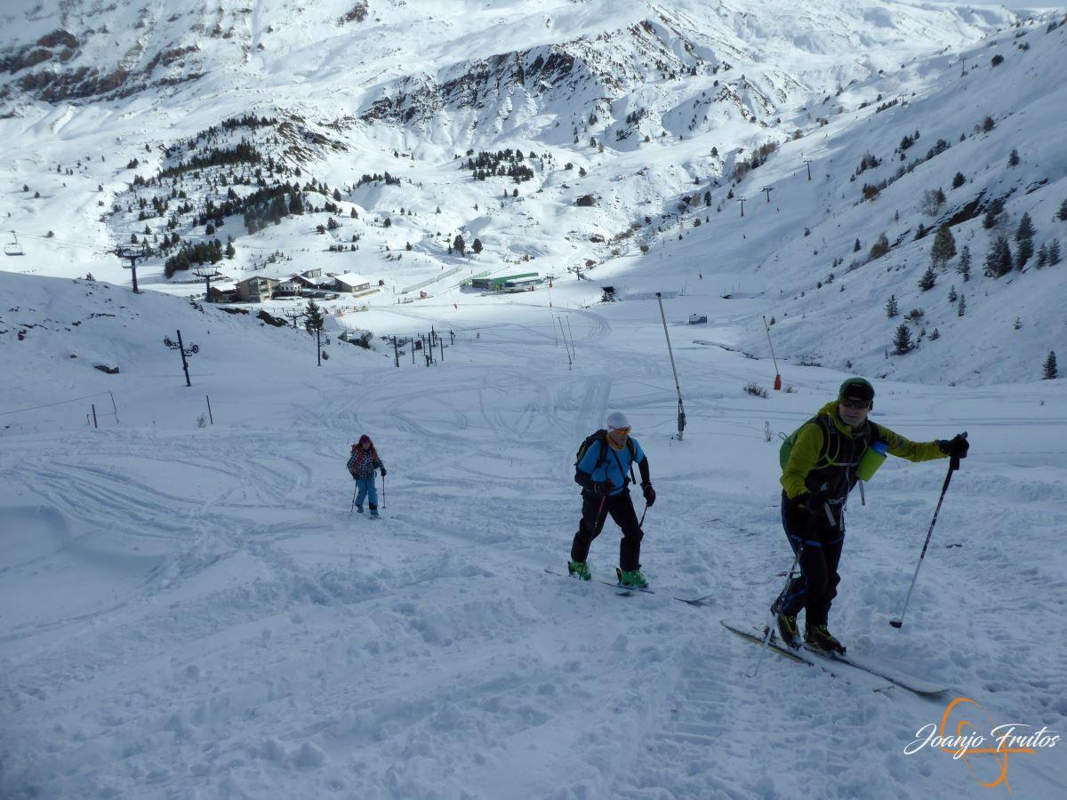 P1200482 - Tercer día, en Cerler se esquía nieve polvo.