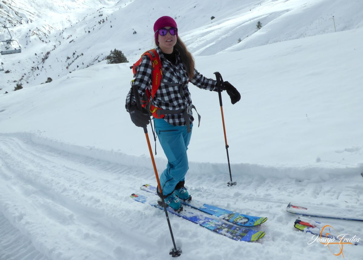 P1200484 - Tercer día, en Cerler se esquía nieve polvo.