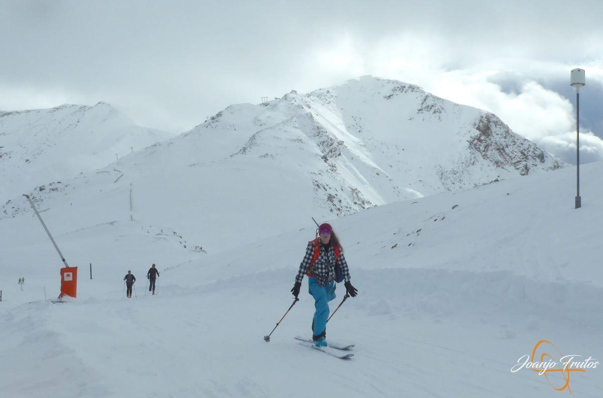 P1200488 - Tercer día, en Cerler se esquía nieve polvo.