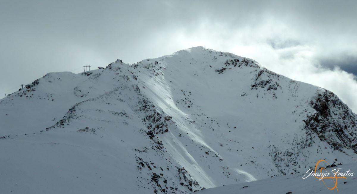 P1200489 - Tercer día, en Cerler se esquía nieve polvo.