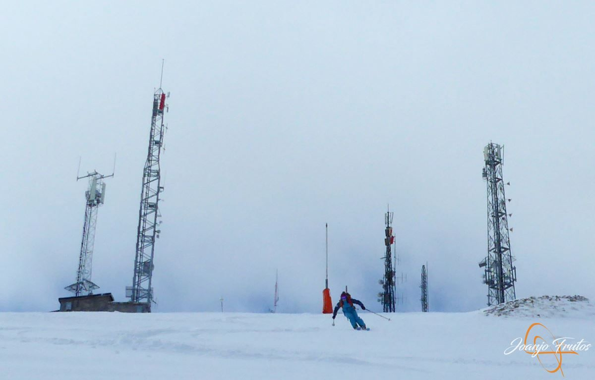 P1200494 - Tercer día, en Cerler se esquía nieve polvo.