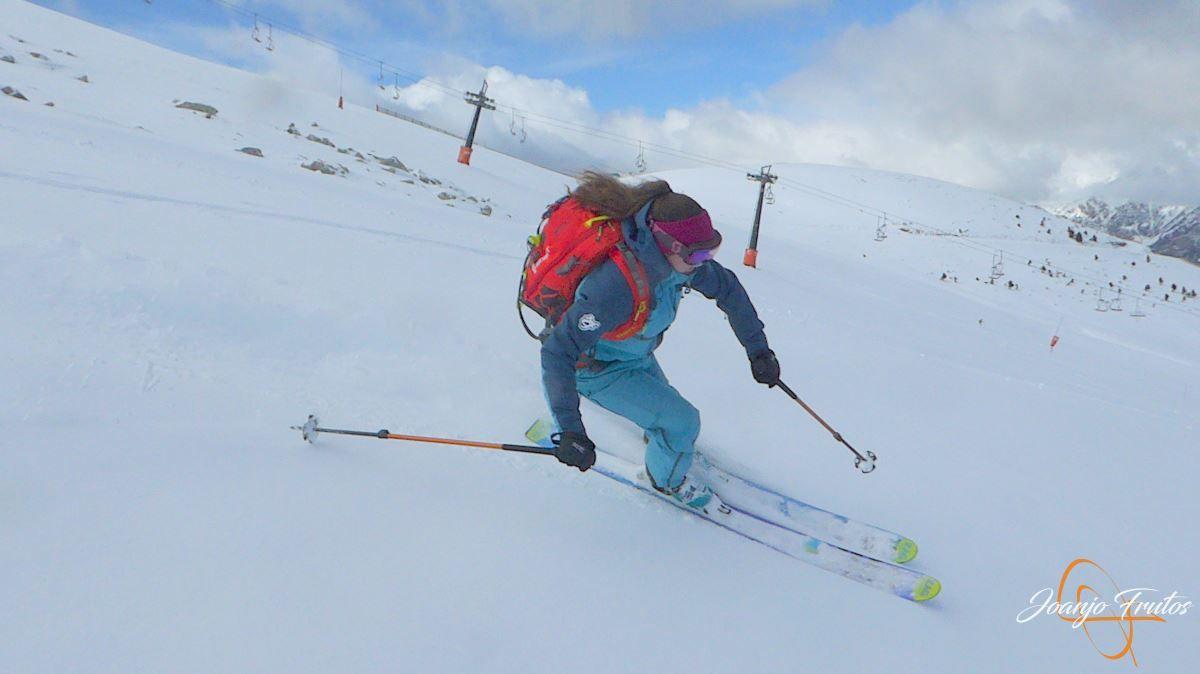 P1200504 - Tercer día, en Cerler se esquía nieve polvo.