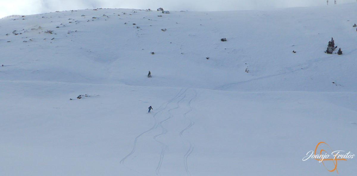 P1200506 - Tercer día, en Cerler se esquía nieve polvo.