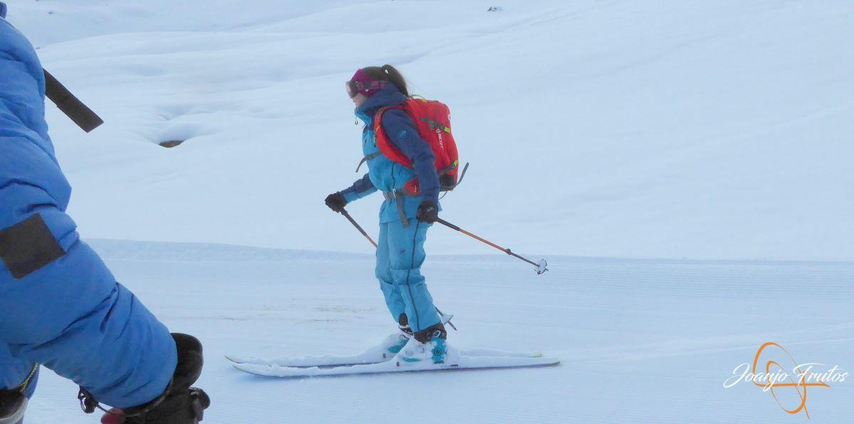 P1200516 - Tercer día, en Cerler se esquía nieve polvo.