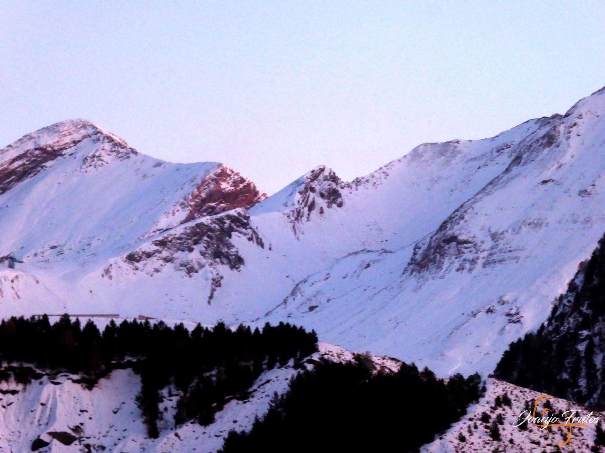 P1200572 - Cuarta esquiada en Cerler, aún con nieve polvo.