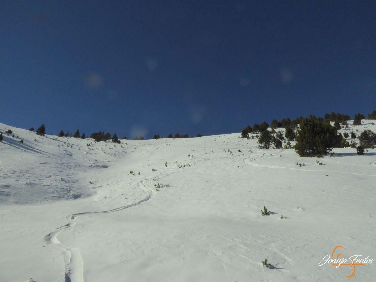 P1200574 - Cuarta esquiada en Cerler, aún con nieve polvo.