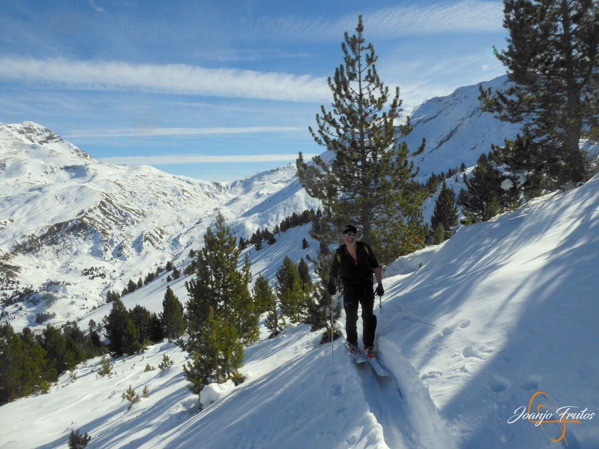 P1200587 - Cuarta esquiada en Cerler, aún con nieve polvo.