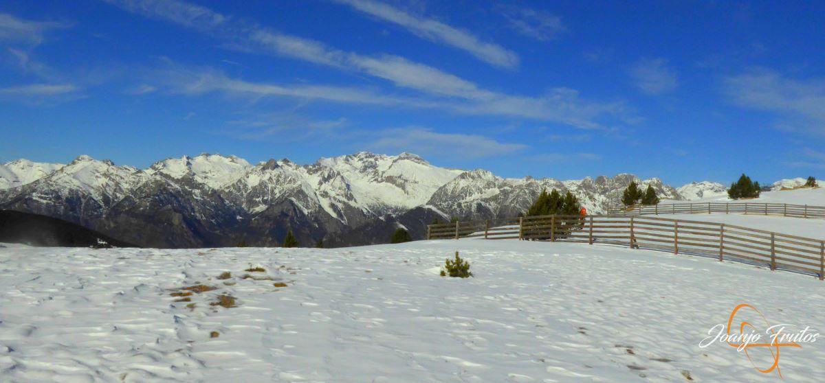 P1200602 - Cuarta esquiada en Cerler, aún con nieve polvo.