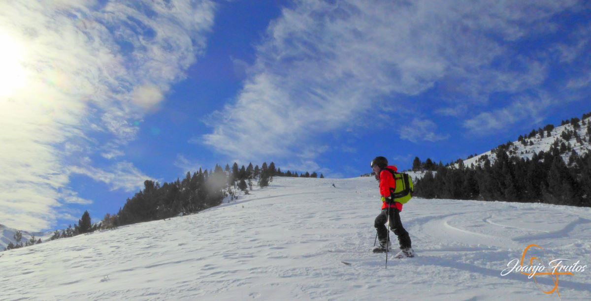 P1200603 - Cuarta esquiada en Cerler, aún con nieve polvo.
