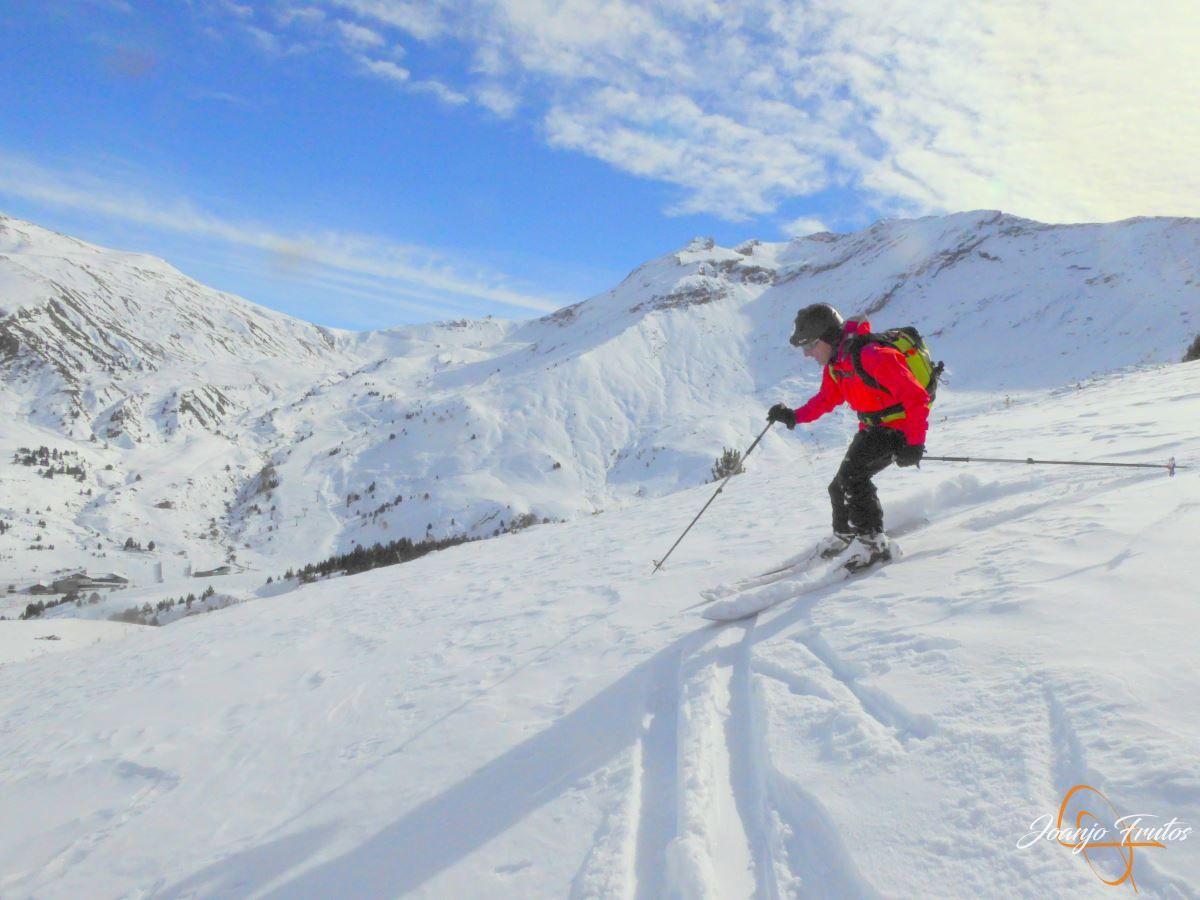 P1200611 - Cuarta esquiada en Cerler, aún con nieve polvo.