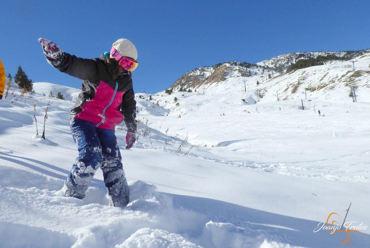P1200632 - Cuarta esquiada en Cerler, aún con nieve polvo.