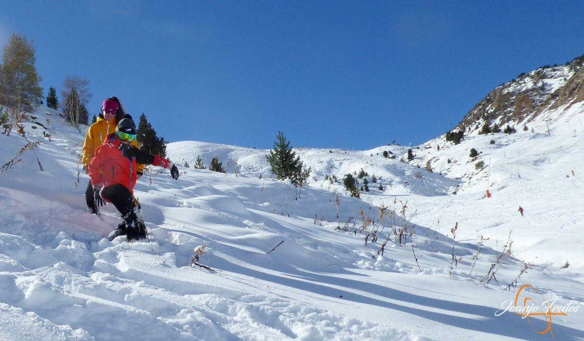 P1200637 - Cuarta esquiada en Cerler, aún con nieve polvo.