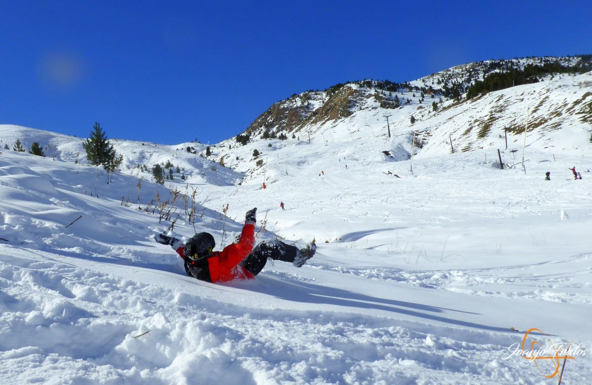 P1200639 - Cuarta esquiada en Cerler, aún con nieve polvo.