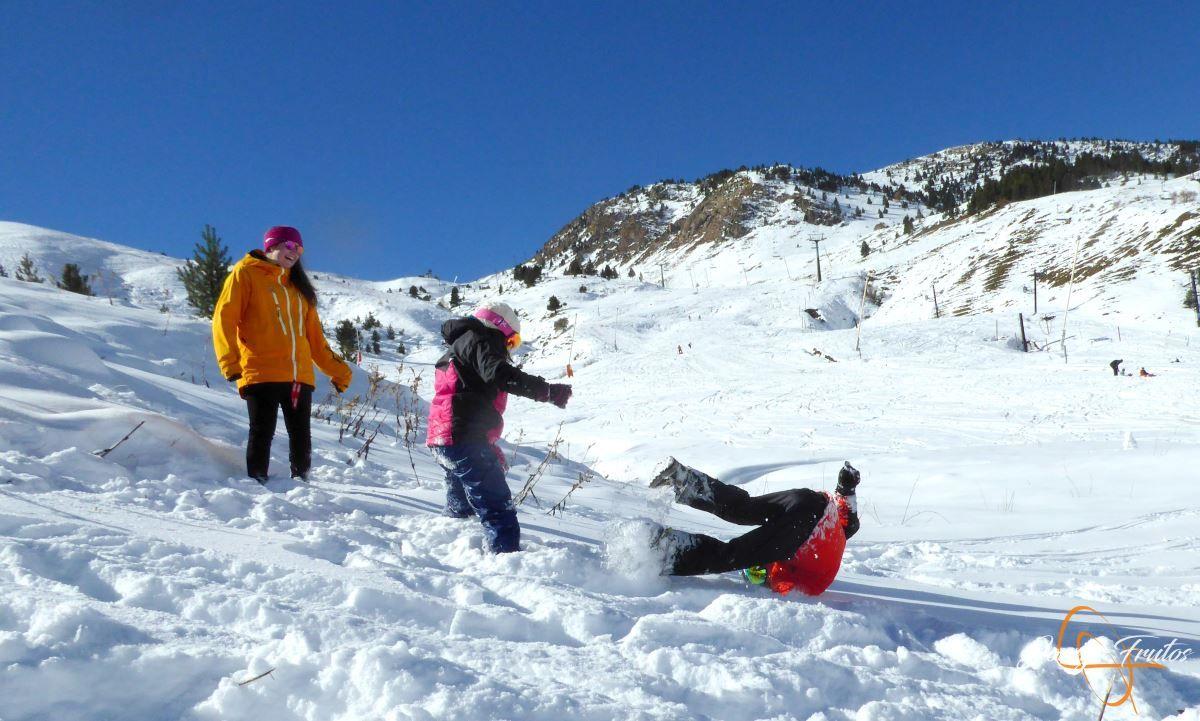 P1200642 - Cuarta esquiada en Cerler, aún con nieve polvo.