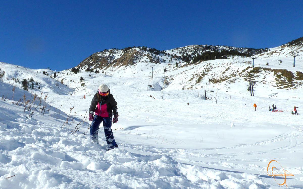 P1200646 - Cuarta esquiada en Cerler, aún con nieve polvo.