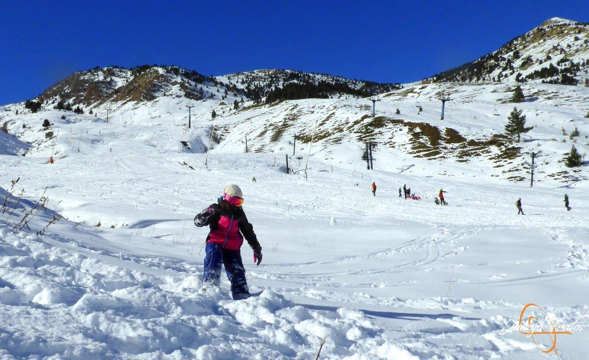 P1200647 - Cuarta esquiada en Cerler, aún con nieve polvo.
