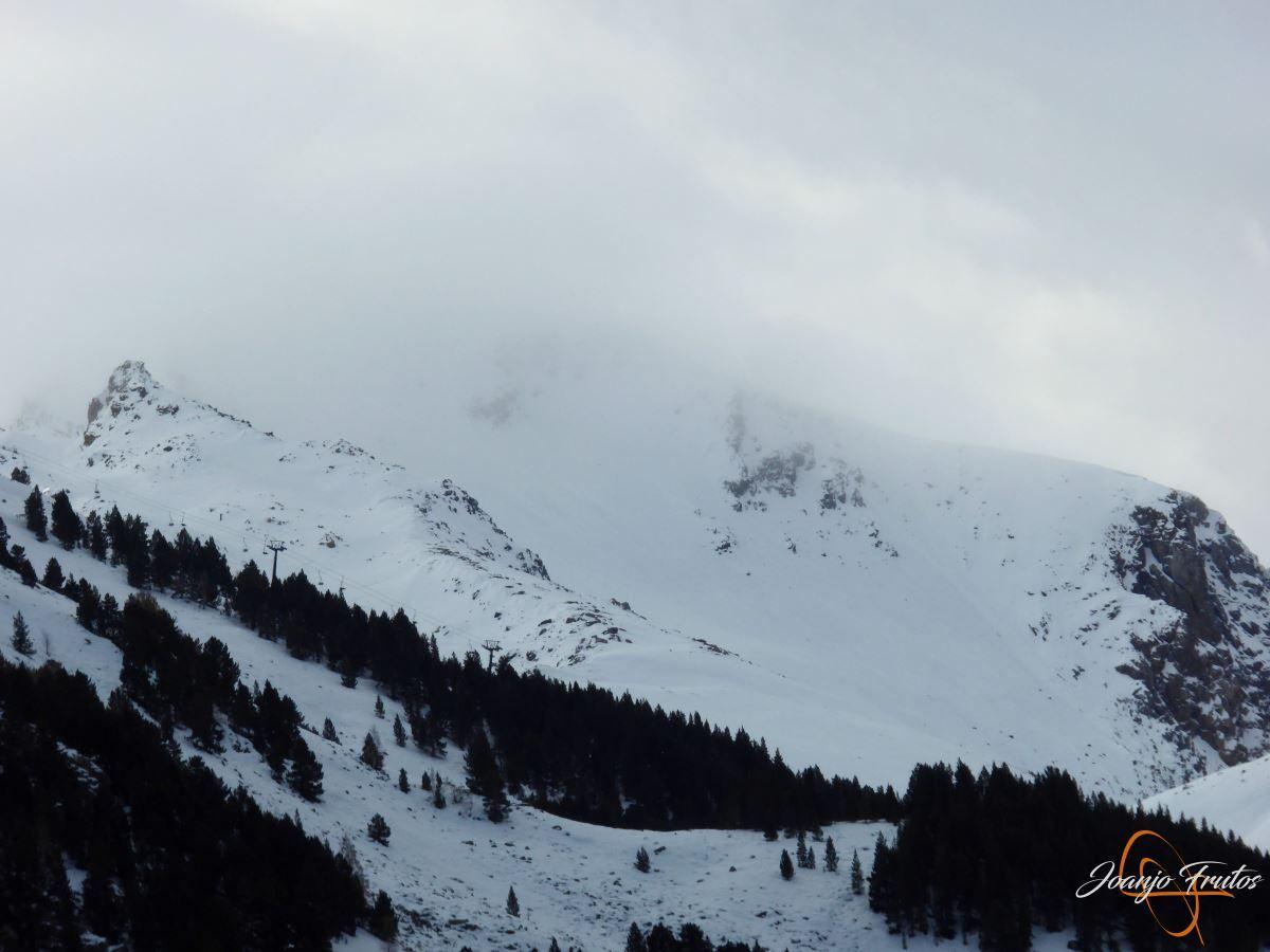 P1200904 - Cogulla pisado y esquiado 11 NOV.