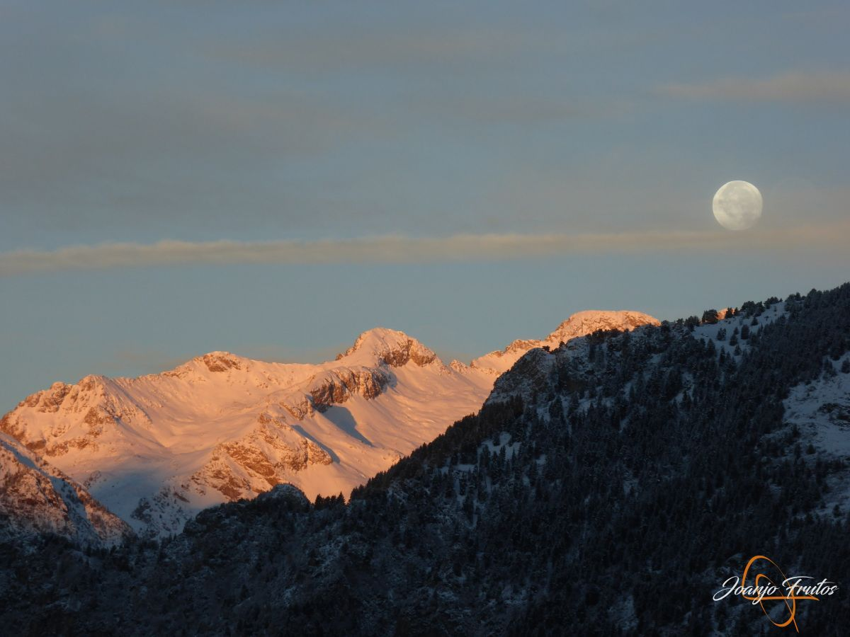P1210471 - Luna llena de NOV18 desde Cerler.