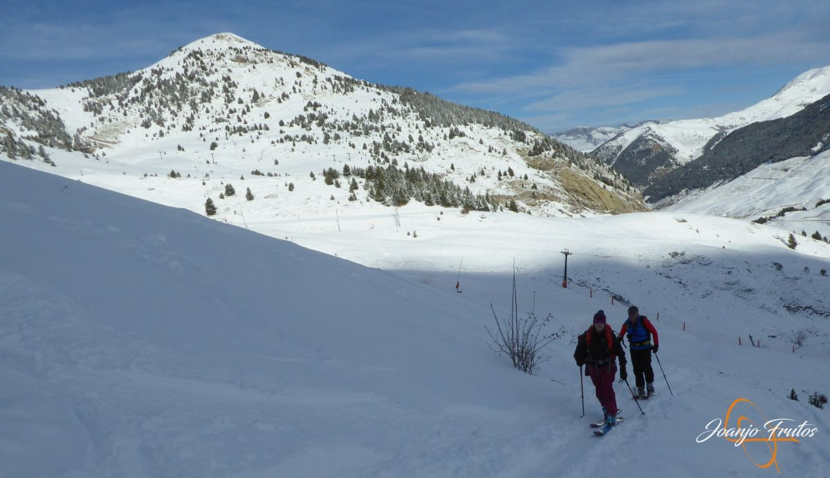 P1210494 - Y van 13, vuelve la nieve polvo en Cerler.