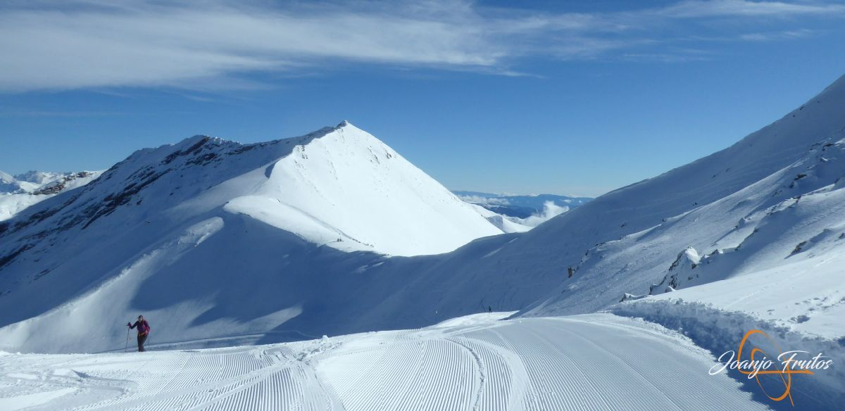P1210519 - Y van 13, vuelve la nieve polvo en Cerler.