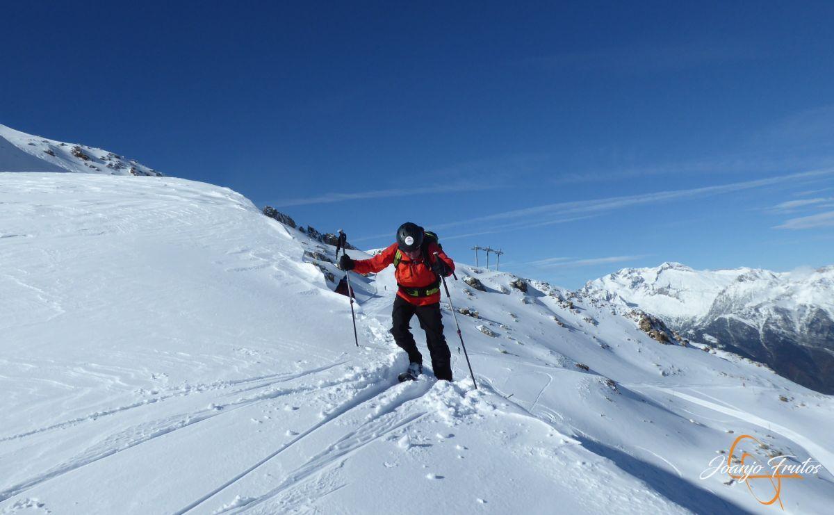 P1210525 - Y van 13, vuelve la nieve polvo en Cerler.