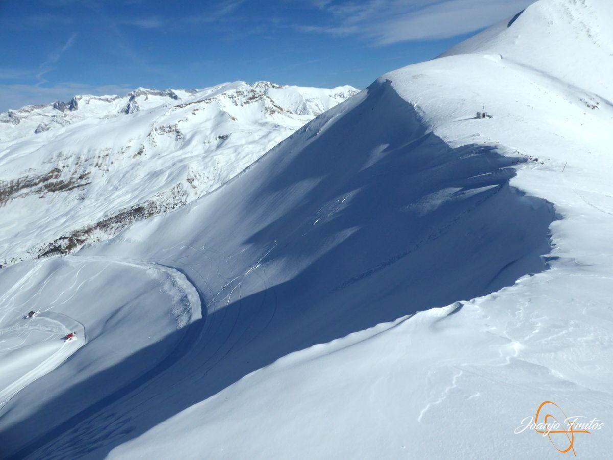 P1210542 - Y van 13, vuelve la nieve polvo en Cerler.