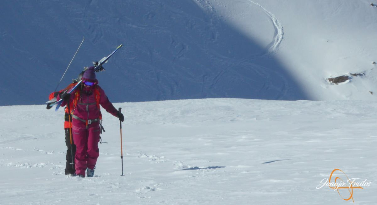 P1210547 - Y van 13, vuelve la nieve polvo en Cerler.