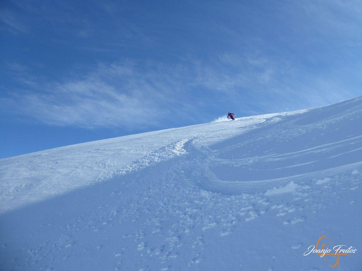 P1210566 - Y van 13, vuelve la nieve polvo en Cerler.
