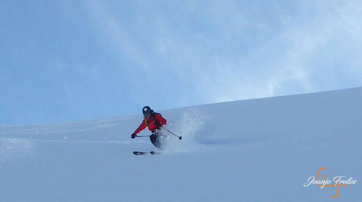 P1210582 - Y van 13, vuelve la nieve polvo en Cerler.
