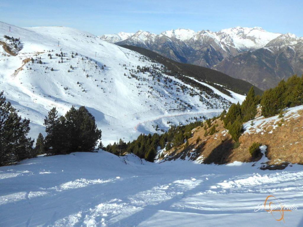 P1220083 1024x768 - Travesía corta y con nieve virgen en Cerler.