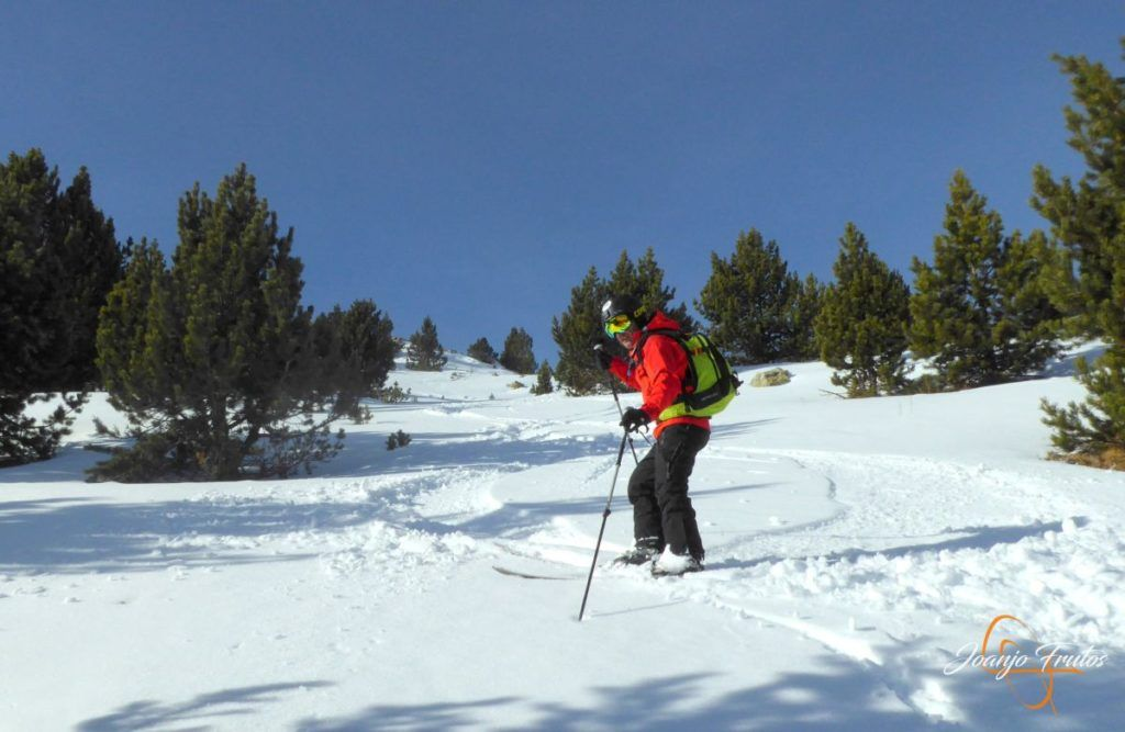 P1220088 1024x667 - Travesía corta y con nieve virgen en Cerler.