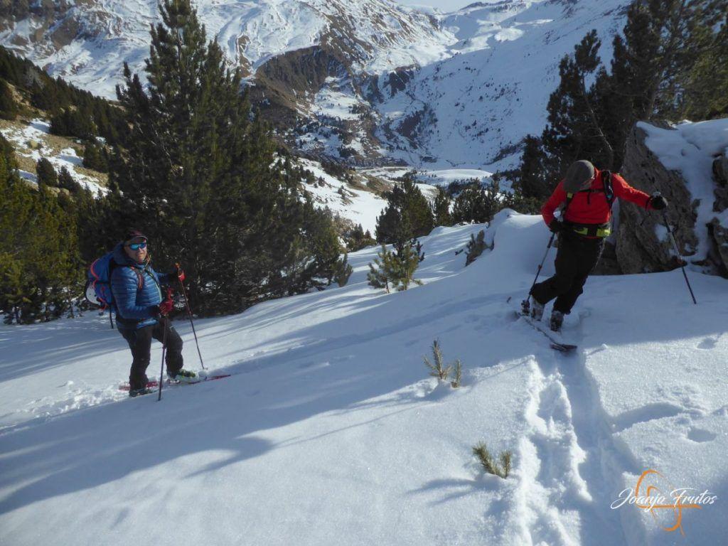 P1220092 1024x768 - Travesía corta y con nieve virgen en Cerler.