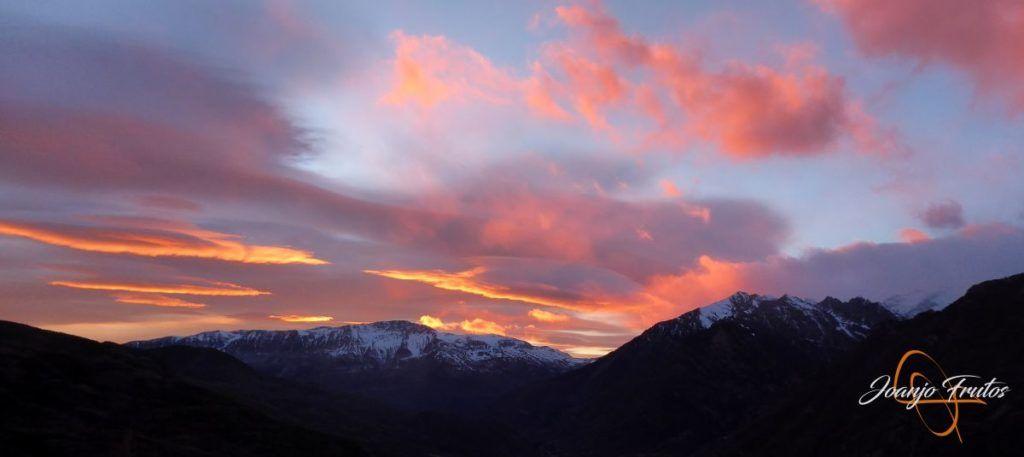 P1220384 1024x457 - Atardecer espectacular en Cerler, Valle de Benasque