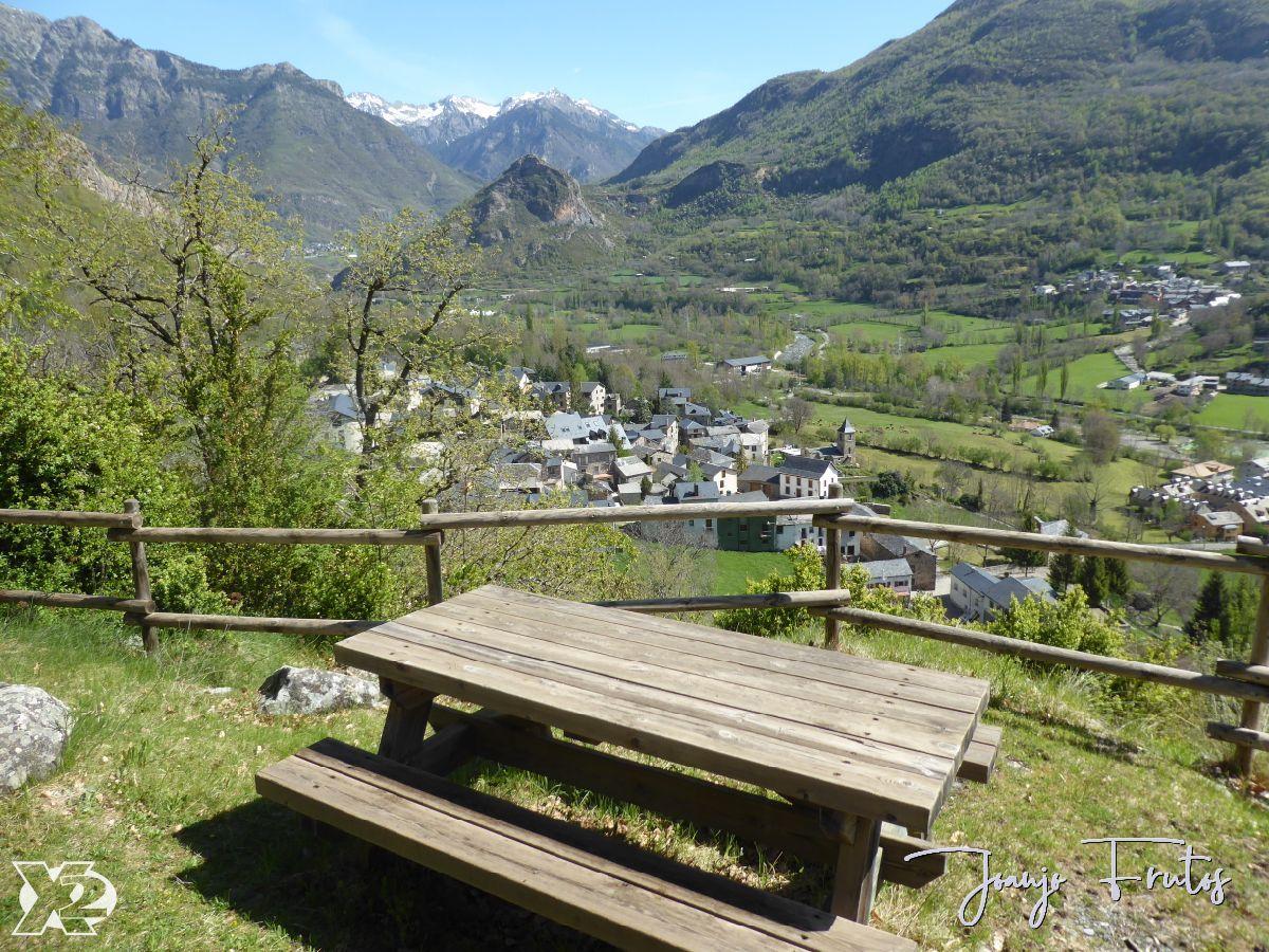P1240276 - Paseando por Villanova, Valle de Benasque.