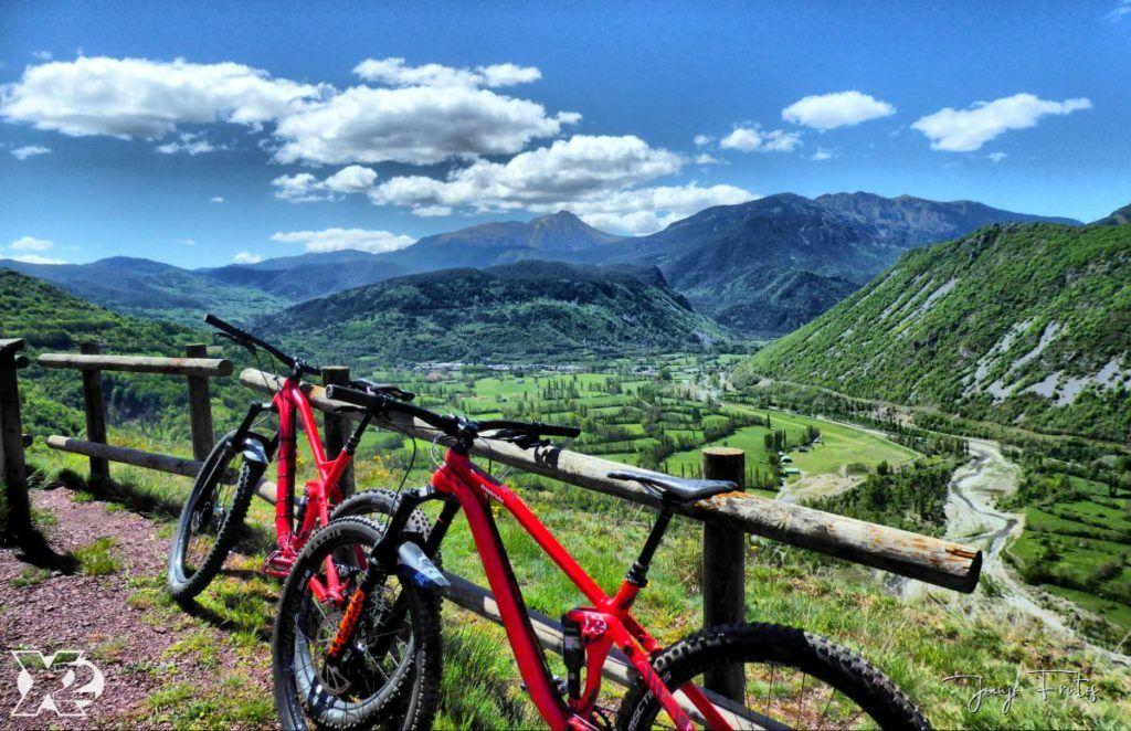 P1240512 fhdr 001 1024x662 - Votamos y pedaleamos por el Valle de Benasque.