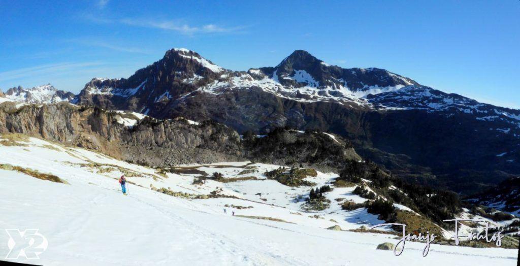 Panorama 1 001 1024x524 - Charlando, charlando, Maladetas (valle de Benasque),