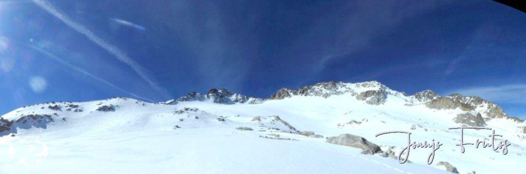 Panorama 2 001 1024x339 - Charlando, charlando, Maladetas (valle de Benasque),