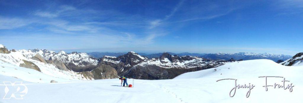 Panorama 3 001 1 1024x351 - Charlando, charlando, Maladetas (valle de Benasque),