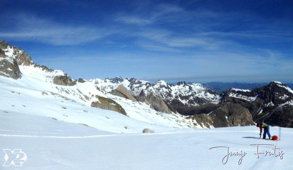 Panorama 4 001 1024x594 - Charlando, charlando, Maladetas (valle de Benasque),