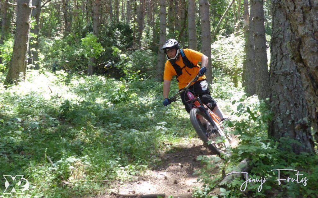 P1250437 1024x637 - Con riders así, salen las fotos solas, Valle de Benasque.