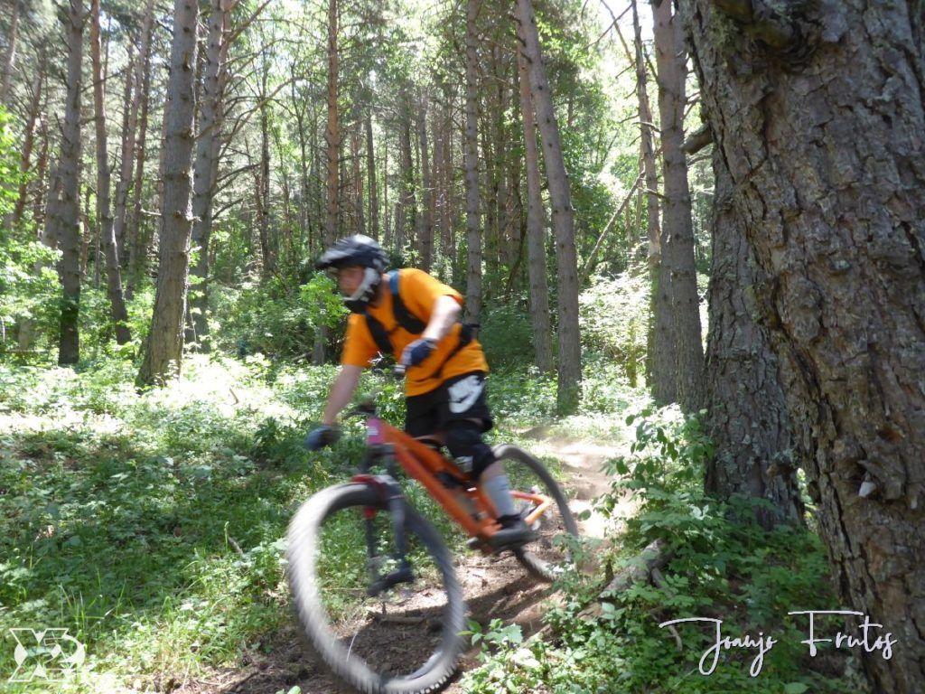 P1250439 1024x768 - Con riders así, salen las fotos solas, Valle de Benasque.