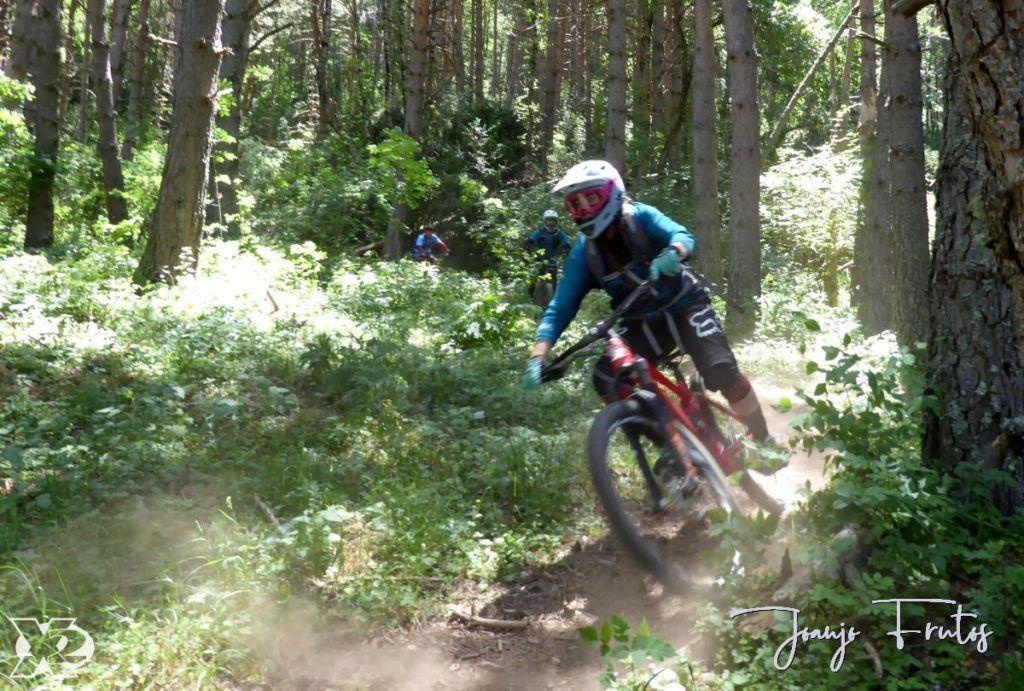 P1250447 1024x691 - Con riders así, salen las fotos solas, Valle de Benasque.
