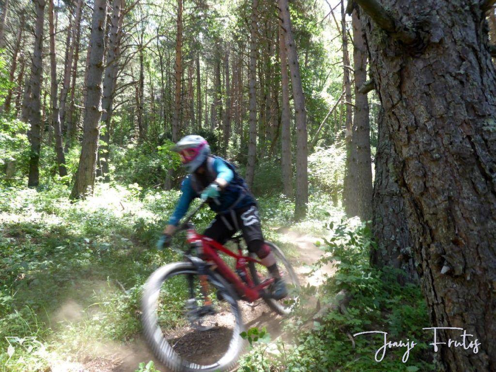 P1250448 1024x768 - Con riders así, salen las fotos solas, Valle de Benasque.