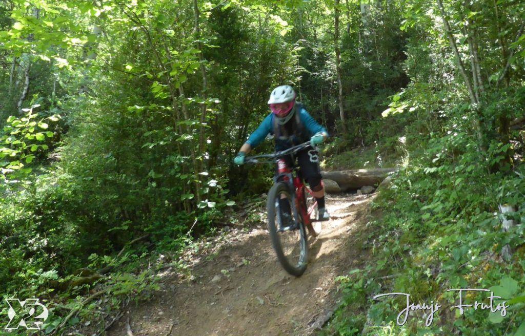 P1250469 1024x656 - Con riders así, salen las fotos solas, Valle de Benasque.