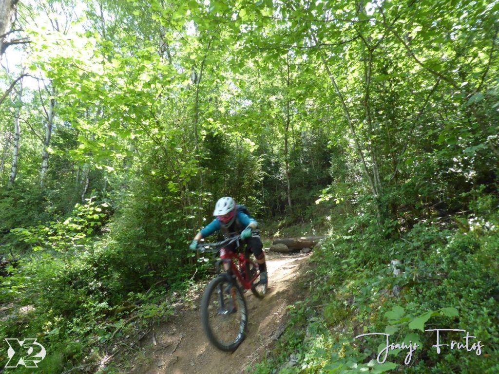 P1250470 1024x768 - Con riders así, salen las fotos solas, Valle de Benasque.