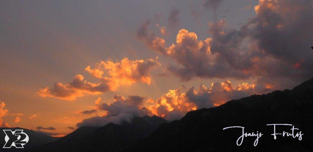 P1280305 1024x500 - Santa Margarita a pie ... Valle de Benasque.
