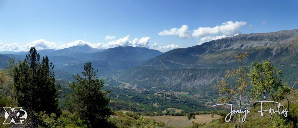 Panorama 3 001 1 1024x443 - Santa Margarita a pie ... Valle de Benasque.